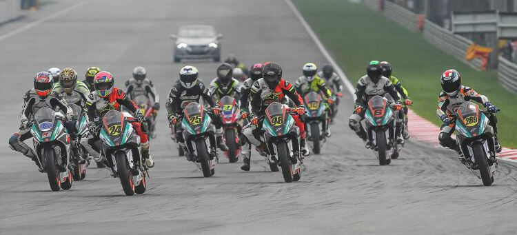 2017-Malaysia-KTM-RC-Cup-Start