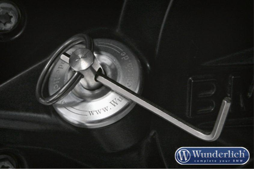 Safety oil filler plug